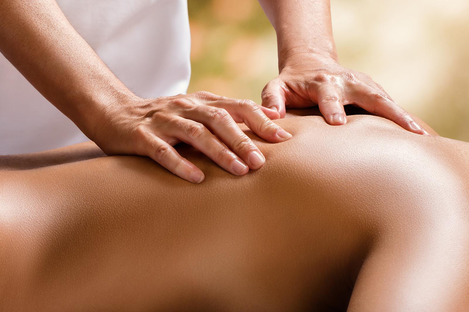 Massage Manuelle Therapie ©iStock-829429308